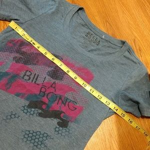 Billabong Tops - Billabong Graphic T-SHIRT